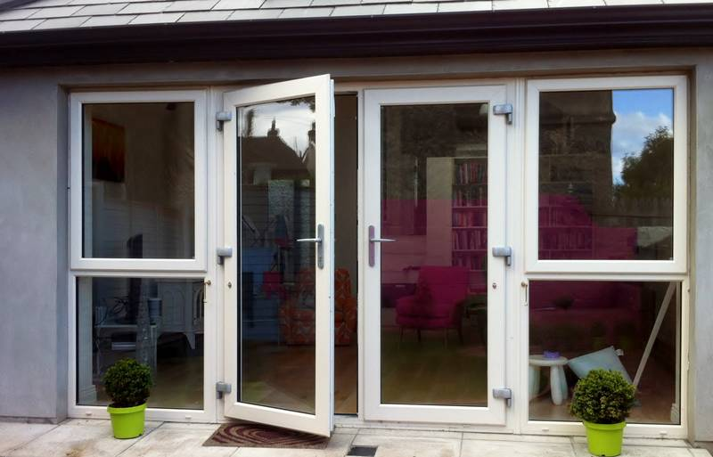 https://www.archerswindows.ie/wp-content/uploads/2019/06/French-Doors-with-Side-Screen.jpg